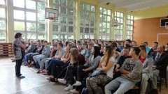 Zespół Szkół nr 2. Rozmowy na temat dopalaczy i narkotyków - 14.09.2016
