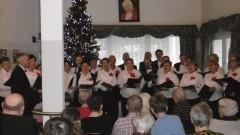 """Stegna. Sursum Corda zaśpiewał świątecznie dla pensjonariuszy Domu Opieki """"MORS"""" 18.12.2016"""