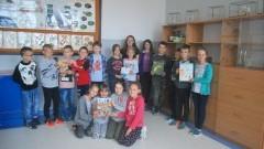 Ptaki wokół nas. Zuzia i Róża Chlebickie zorganizowały lekcje w Zespole Szkół w Stegnie