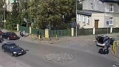 Malbork: Pies wpadł pod radiowóz. Zobacz reakcje policjantów – 27.09.2017