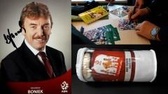 Pocztówka z autografem Zbigniewa Bońka oraz koc reprezentacji trafiają do... - 12.03.2018