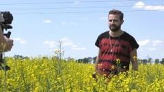 """Tadeusz Seibert rozpoczął produkcję swojej debiutanckiej płyty. Z kamerą podpatrzyliśmy jak powstaje teledysk do singla """"Na skraj świata"""""""