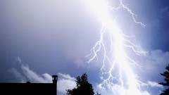 IMGW ostrzega : Uwaga na burze z gradem w województwie pomorskim. Gwałtowna zmiana pogody!