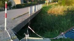 Mieszkańcy Łaszki czekają od 17 maja na naprawę poręczy mostku!