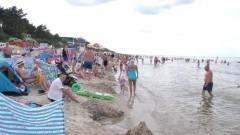 Projekt plaża: Tłoczno, ale nikt nie narzeka. Stegna zawsze przyciąga tłumy turystów.