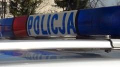 Powiat nowodworski: Zderzenie Toyoty z drzewem. 51-letnia kobieta przewieziona do szpitala.