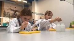 Eksperymenty z fizyki i chemii uczniów Szkoły Podstawowej w Jantarze