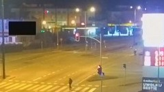 Pobili dwóch mężczyzn na Rodła w Malborku. Pod okiem kamery [wideo] - policja prosi świadków o pomoc.