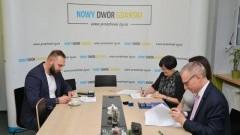 Nowy Dwór Gdański: Podpisanie umowy z Przedsiębiorstwem Robót Sanitarno-Porządkowych na 2019 rok.