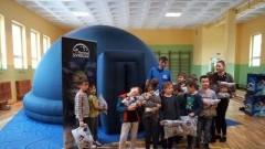 Mikoszewo: Mobilne planetarium w Szkole Podstawowej