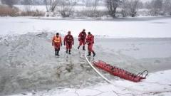 Pokaz i ćwiczenia nowodworskich strażaków dla uczniów SP nr 2