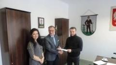 Myszewko/ Myszkowo: Podpisanie umowy na remont drogi powiatowej