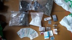 Ponad kilogram narkotyków i pieniądze. Nowodworska policja zatrzymała 32-latka.