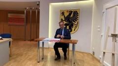 Kolej Metropolitarna na Pomorzu. Burmistrz Nowego Dworu Gdańskiego wraz ze Starostą podpisali deklarację woli uczestnictwa