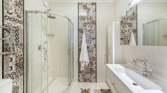 Hiszpańskie płytki jako pierwszoplanowy element aranżacji łazienki