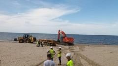 Zaczęły się prace poszerzające plażę w Stegnie.