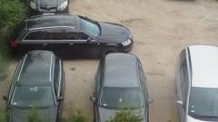 Mistrz (nie tylko) parkowania na parkingu w Malborku.