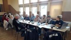"""Ostaszewo: Policjanci omówili seniorom przestępstwa metodą m.in. """"na wnuczka"""""""