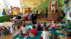 Nowodworscy policjanci w przedszkolach opowiadali o bezpieczeństwie