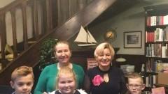 Trójka uczniów z Zespołu Szkół w Stegnie spotkała się z autorką książek.
