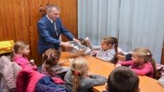 Najmłodsi mieszkańcy Nowego Dworu Gdańskiego w odwiedzinach w tutejszym magistracie.
