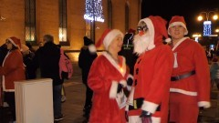 Mikołaje pobiegli ulicami Nowego Stawu.