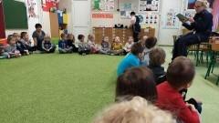 Nowodworska Policja czyta dzieciom - Bezpieczne ferie