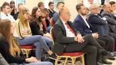 """""""Aby chciało się chcieć"""" - rozmowy młodzieży o Unii Europejskiej z posłem Jarosławem Wałęsą."""