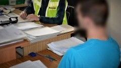 Za kradzież z włamaniem w warunkach recydywy może posiedzieć nawet 15 lat.