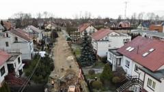 Zobacz postęp prac przy remoncie ulicy Bursztynowej w Nowym Dworze Gdańskim.