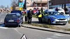 W wyniku zderzenia dwóch aut, jedna osoba trafiła do szpitala.