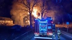 Pożar zabytkowego spichlerza w Lubieszewie – raport nowodworskich służb mundurowych.