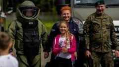 Dzień Dziecka z mundurowymi – raport nowodworskich służb mundurowych.