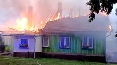 Stracili dobytek życia w pożarze domu – raport nowodworskich służb mundurowych.
