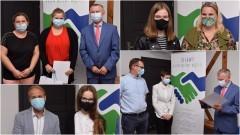 Nowy Dwór Gdański. Najlepsi uczniowie podstawówek otrzymali stypendia naukowe.