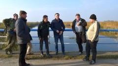 Żuławy. Przedstawiciele żuławskich rolników i Zarządu Melioracji i Urządzeń Wodnych spotkali się w terenie - 30.10.2015