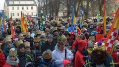 Nowy Dwór Gd. Orszak Trzech Króli po raz drugi przeszedł ulicami miasta - 06.01.2016