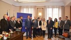 Miliony dofinansowania na modernizację dla CWŻ. Marszałek podpisał umowę – 6.04.2016