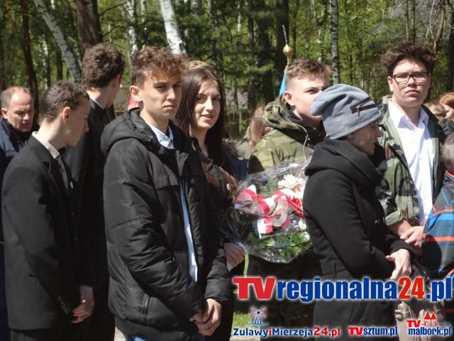 Uczniowie ZS nr 2 w Nowym Dworze Gdańskim na obchodach 72 rocznicy wyzwolenia niemieckiego obozu koncentracyjnego Stutthof – 09.05.2017
