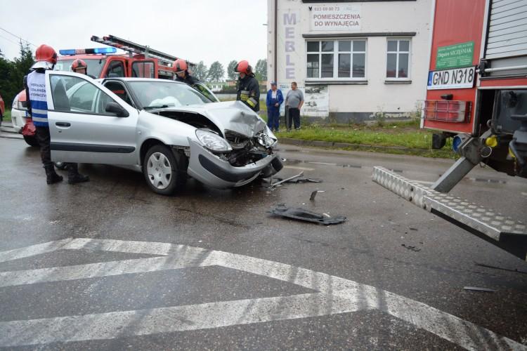 NDG. Wypadek na skrzyżowaniu Morskiej z Jantarową. Ruch na Stegnę zablokowany. - 10.08.2017