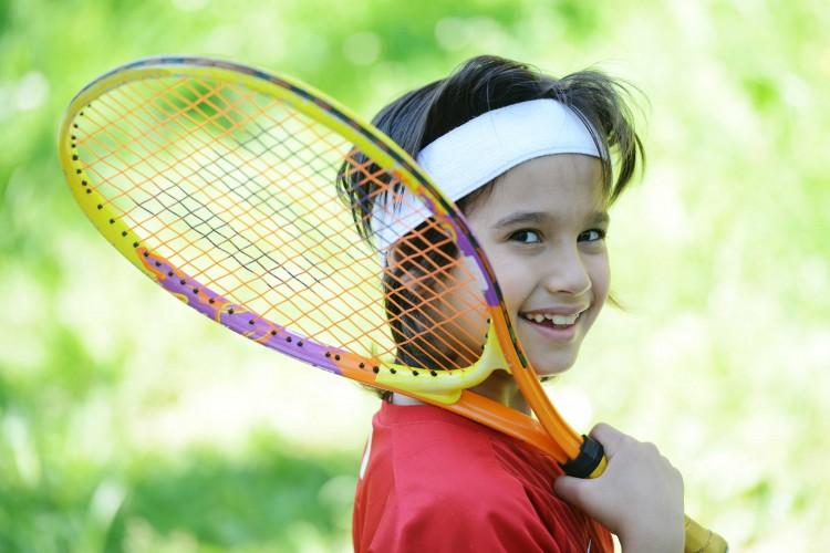 Kupujemy rakietę do tenisa dla dziecka