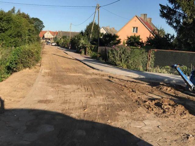 Gmina Nowy Dwór Gdański : Zbliża się koniec remontu ulicy Mickiewicza w Orłowie - 13.09.2017