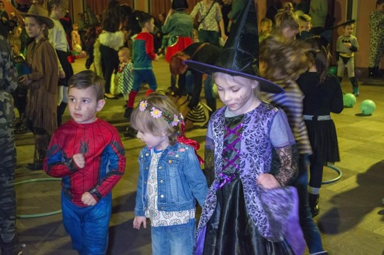 Nowy Dwór Gdański: Bal kostiumowy dla dzieci w ŻOKu. Zobacz wideo! - 10.02.2018