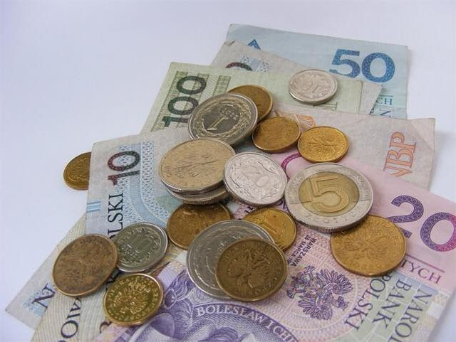 Podwyższenie renty socjalnej. Zobacz ile wyniesie od 1 czerwca.