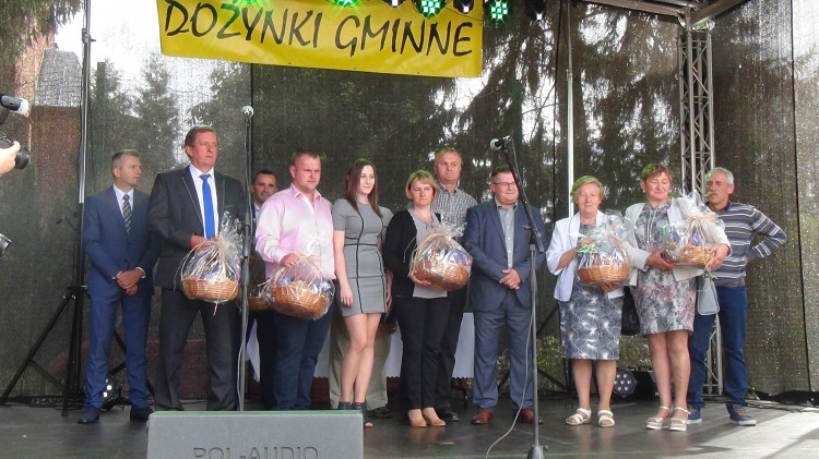 Dożynki Gminne w Ostaszewie. Wójt podziękował rolnikom za trud pracy na roli