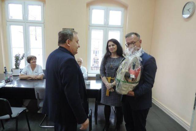 Starosta Nowodworski oraz Wicestarosta odwiedzili szpital w Nowym Dworze Gdańskim.