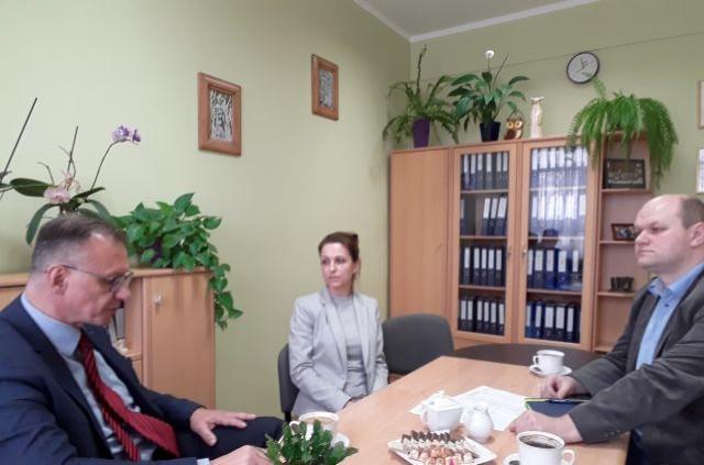 Postępy realizacji projektu tematem spotkania Starosty Nowodworskiego z pracownikami ZS nr 2
