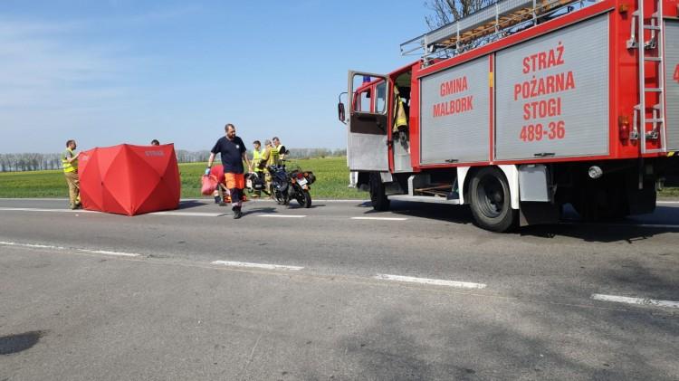 DK22: 75 - letni motocyklista zginął na miejscu. Kierowca ciężarówki był trzeźwy.