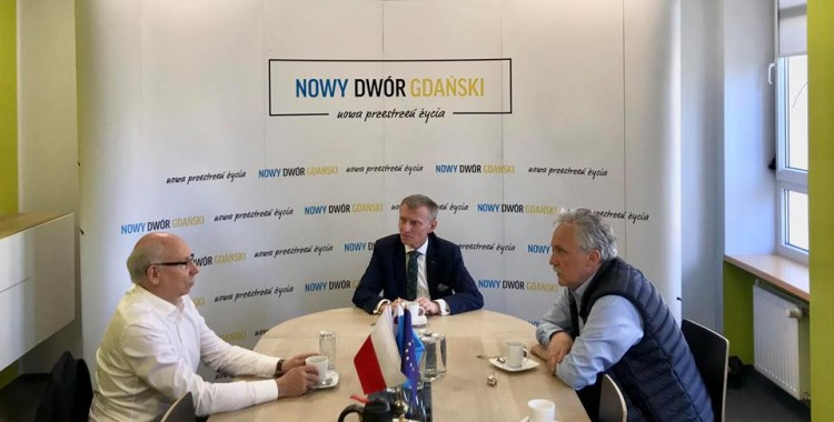 Europoseł Janusz Lewandowski oraz Senator Leszek Czarnobaj w Nowym Dworze Gdańskim
