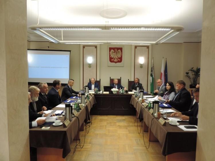 VII sesja Rady Powiatu w Nowym Dworze Gdańskim na żywo.